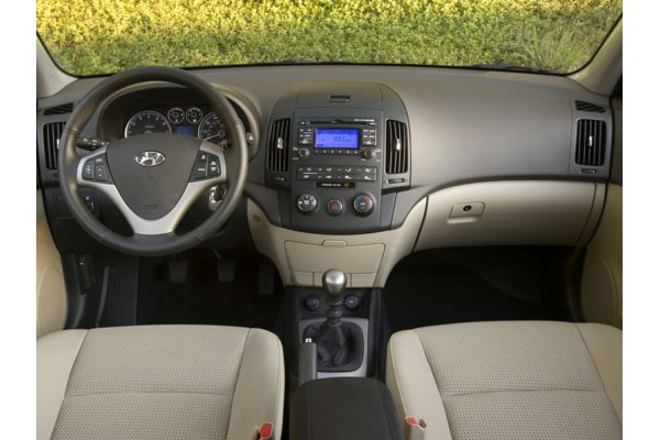 2010 Hyundai Elantra Touring - Price, Photos, Reviews & Features