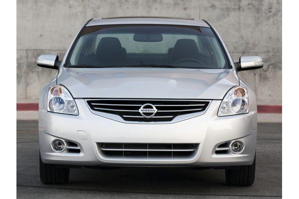 2011 Nissan Altima - Price, Photos, Reviews & Features