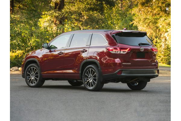 2017 Toyota Highlander - Price, Photos, Reviews & Features